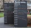 """""""Zanim umrę chciałbym..."""". Warszawiacy zapełniają wyjątkową tablicę"""