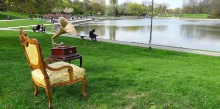 Wyjątkowy spacer po Polu Mokotowskim. Przyjdź i poznaj niezwykłą historię parku
