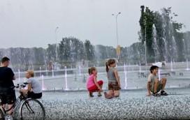 Kąpiel w fontannie grozi ciężką chorobą!