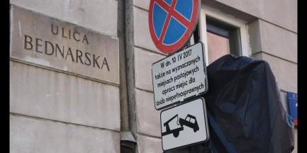 """Przez obchody rocznicy katastrofy smoleńskiej muszą zapłacić 600 zł. """"To bandytyzm"""""""