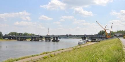 Wyścig z czasem przy odbudowie mostu Łazienkowskiego