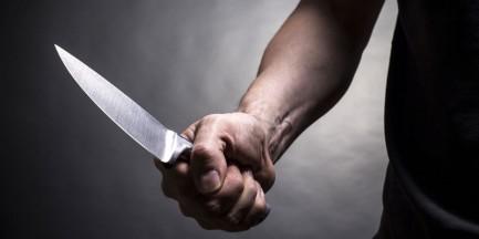 Zaatakowali na przystanku, grozili nożem. Jeden z napastników miał 13 lat!