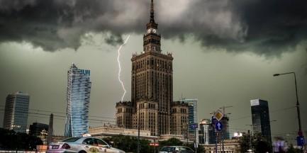 Potężna burza przeszła przez Warszawę