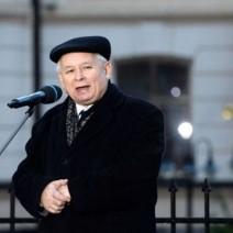 J. Kaczyński podał datę powstania pomników smoleńskich na Krakowskim Przedmieściu