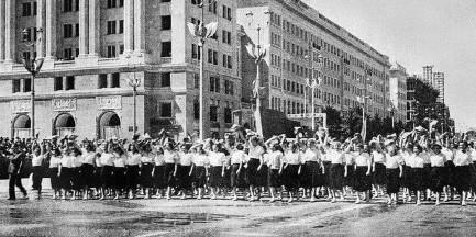 Socrealizm warszawski czyli MDM i okolice 60 lat później (SPACER)