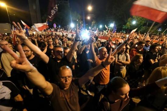 Lipcowe protesty w Warszawie. Fot. Bartłomiej Zborowski/Agencja Gazeta