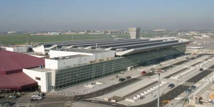 Jak się buduje terminal na Okęciu?