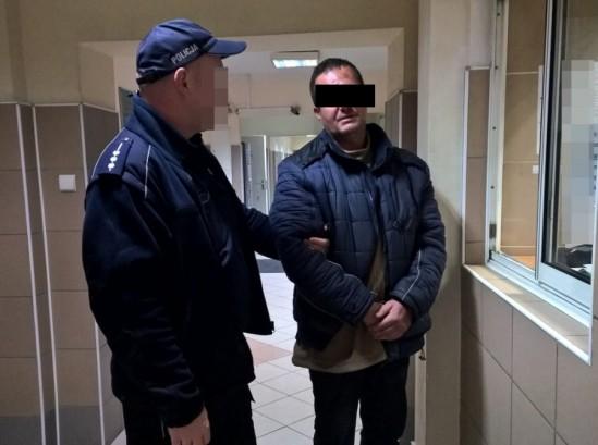 Zatrzymanie podejrzanego mężczyzny. Fot. Policja