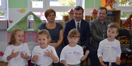 """Warszawskie przedszkolaki rozwijają umiejętności informatyczne. """"Mistrzowie Kodowania Junior"""""""