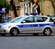 Włamywacz ukrył się przed policją... za firanką