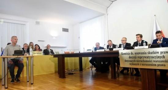 Komisja Weryfikacyjna Źródło: PAP/Radek Pietruszka