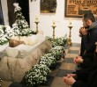 Warszawiacy licznie odwiedzają Groby Pańskie [ZDJĘCIA]