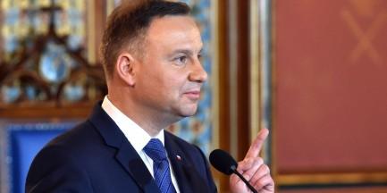 """Prezydent Duda: dwa pomniki na Krakowskim Przedmieściu. """"To miejsce wybrali Polacy"""""""