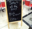 ZDM chce usuwać tablice stojące przed restauracjami!
