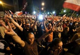 """""""Idziemy do Jarka"""". Marsz pod dom Kaczyńskiego"""