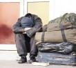 """Bezdomny z torbą pełną pieniędzy. """"Nie potrafił wyjaśnić, skąd miał taką sumę"""""""