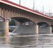 Wypadek na Moście Śląsko-Dąbrowskim. Samochód wjechał w przystanek