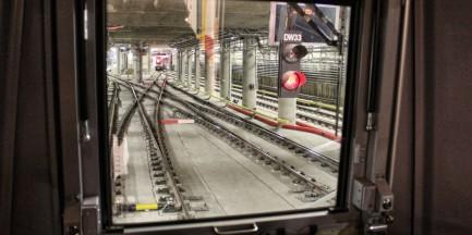 Rekordowa frekwencja w metrze. Średnio 106 tys. osób dziennie!