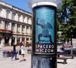 """Tak stolica dziękuje """"spacerowiczom"""". Na ulicach pojawiły się ogromne plakaty"""