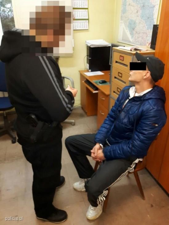 Zatrzymany przez policję mężczyzna. Fot. policja.pl