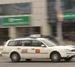 """Przewoźnicy pod kontrolą. Policja """"wyłapuje"""" nielegalnych taksówkarzy"""
