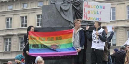Dwie manifestacje w sprawie uchodźców na ulicach Warszawy