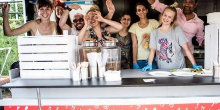 To już koniec restauracji prowadzonej przez uchodźców? Pożegnalna impreza Kuchni Konfliktu