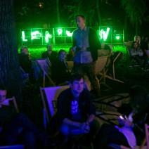 """Neon """"Lenistwo"""" w Królikarni [ZDJĘCIA]"""