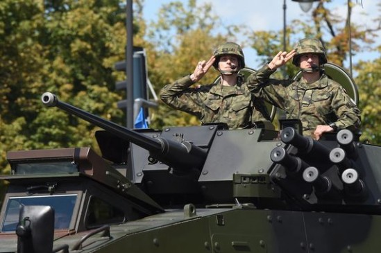 Defilada podczas Święta Wojska Polskiego Źródło: PAP/Radek Pietruszka