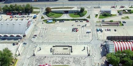 Plac Defilad idzie pod młotek
