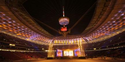 Pokaz możliwości oświetlenia Stadionu Narodowego (wideo)