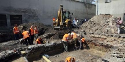 Ekshumacje w więzieniu na Mokotowie. Odnaleziono fragment czaszki ludzkiej