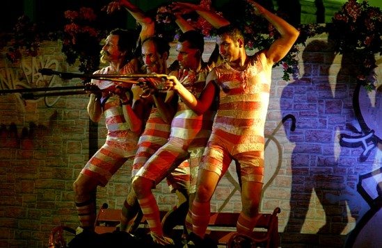 Teatr AKT na Rynku Nowego Miasta w 2010 r. Fot. LP/Wawalove