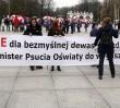 Trwa demonstracja przeciwko reformie oświaty [GALERIA]