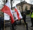 """Dwie manifestacje w al. Szucha. """"Zwolennicy i przeciwnicy zmian w Trybunale Konstytucyjnym"""""""