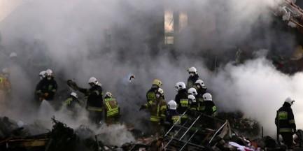 Wybuch fajerwerków w Łomiankach. 1 osoba ranna, 1 poszukiwana [WIDEO]
